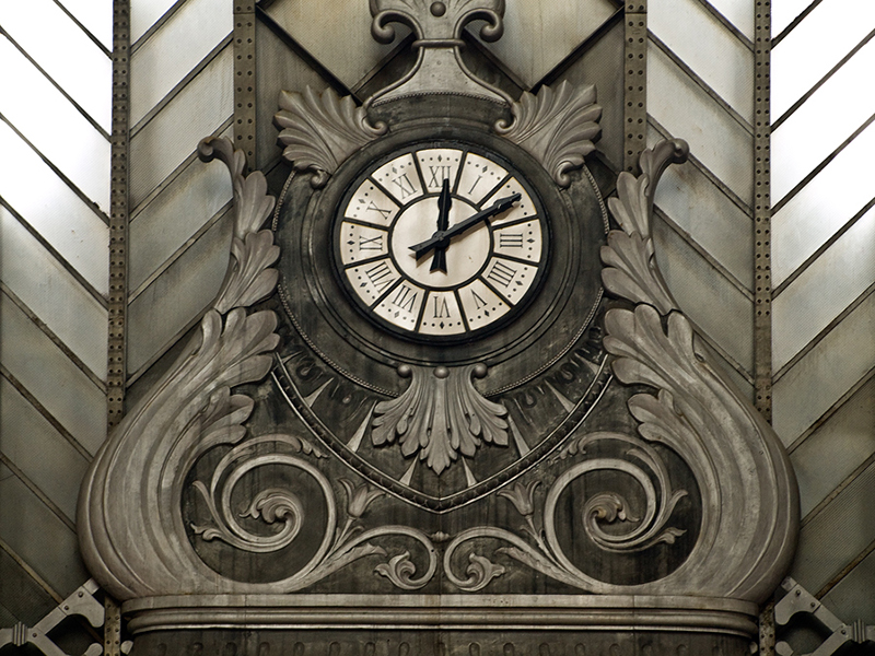 Reloj de la estación de Atocha. Madrid, Spain.© Kiko Fraile
